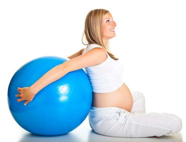 Дали фитнес за бременни жени в безопасност? Възможно ли е за бременни жени, за да направят фитнес? примери за упражнения