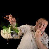 Како да се ослободите од мирисот на испотени нозе и народни лекови?