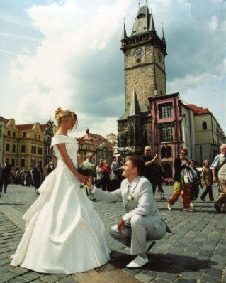Како необично да го прослават на свадба?