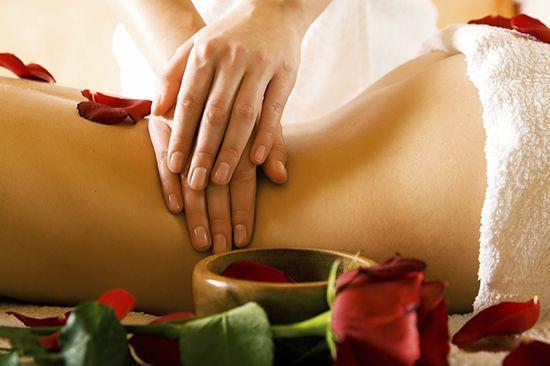 Како да се направи една еротска масажа на жената како да се молам една девојка, жена?