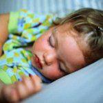 Дали детето е задолжително дремење