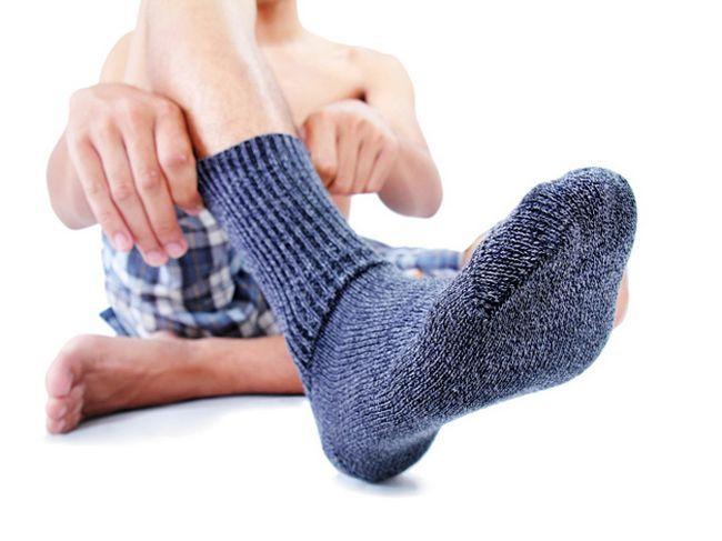 Испотени нозе: што да направам? Зошто потење и непријатен мирис на нозете?