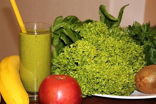 Зелени рецепти за коктейли за почистване и красота
