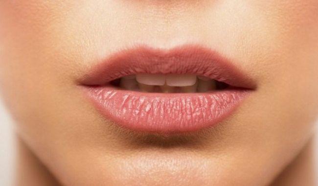 Uscaciunea gurii: motivul ar putea fi ceea ce?