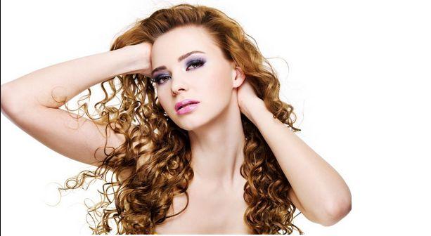 Péče o kudrnaté vlasy