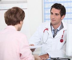 Omul de la urolog doctor